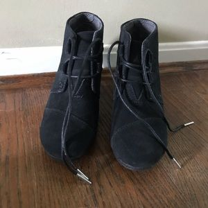 Toms Desert Wedges Black